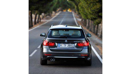 Wenn ein Dienstwagen - wie zum Beispiel der BMW 3er touring - privat genutzt werden darf, ist das Bestandteil des Gehalts.