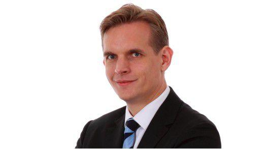 Dirk Bingler von der GUS GmbH will seine Mitarbeiter nicht ohne Wasser durch die Wüste schicken - Delegieren braucht eben Ressourcen.