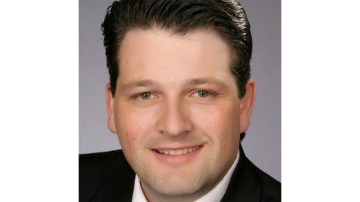 """Gilbert Riegel, Gigaset, ist der """"CIO des Jahres 2013"""" in der Kategorie Mittelstand."""