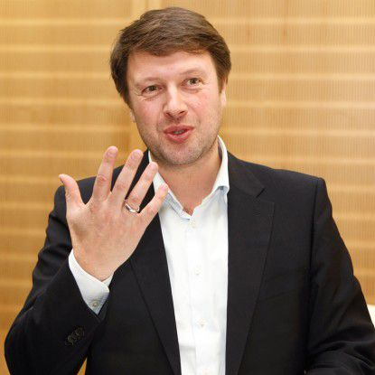 Raphael Vaino, Senior Vice President Senacor