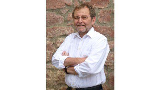 Wilfried Lyhs ist nicht mehr bei Lurgi. Er wird jetzt wieder Managementberater (www.dr-lyhs-consulting.de. So hatte er vor Jahren auch Kontakt zu Lurgi bekommen.