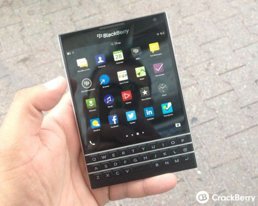 Der Blackberry Passport.