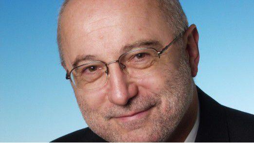"""Helmut Schlegel vom Klinikum Nürnberg gewinnt den """"Innovation Award""""."""