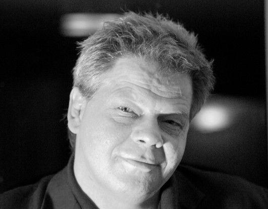 Christopher Lesko leitet zwei Beraternetzwerke in Falkensee nahe Berlin und begleitet seit langem Unternehmen bis auf Vorstandsebene zu den Themen Leadership und Change.