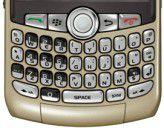Tastatur eines Blackberry Curve. Wer sich einige Kombinationen merkt, kann die Bedienung beschleunigen. Über Alt + Escape lässt sich zwischen mehreren geöffneten Anwendungen hin- und herschalten.