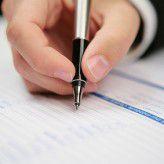 Mehr als 80 Prozent der Personalexperten kennen Fälle, in denen Mitarbeiter ihr Zeugnis selbst geschrieben haben.