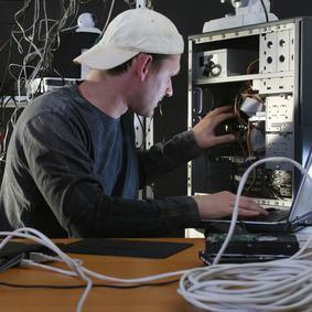 Bild: 9 vom Aussterben bedrohte IT-Jobs Seite: 1