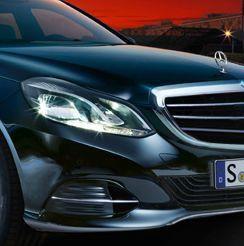 Ins rechte Licht gerückt: die neue E-Klasse von Mercedes. Viele Kunden wünschen sich im Internet jedoch mehr individuelle Unterstützung für ihre persönlichen Wünsche.