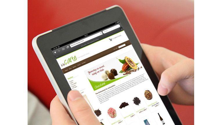 Statt mit der besten Freundin, mit dem Smartphone auf Sopping Tour. Shopping Apps für Mobile Devices werden immer mehr.