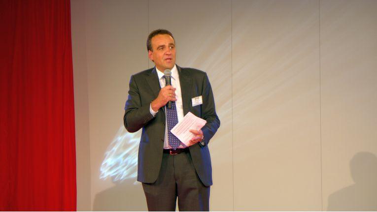Marcus Adä muss als Vorsitzender der Geschäftsführung einschneidende Sparmaßnahmen bei Ingram Micro umsetzen.