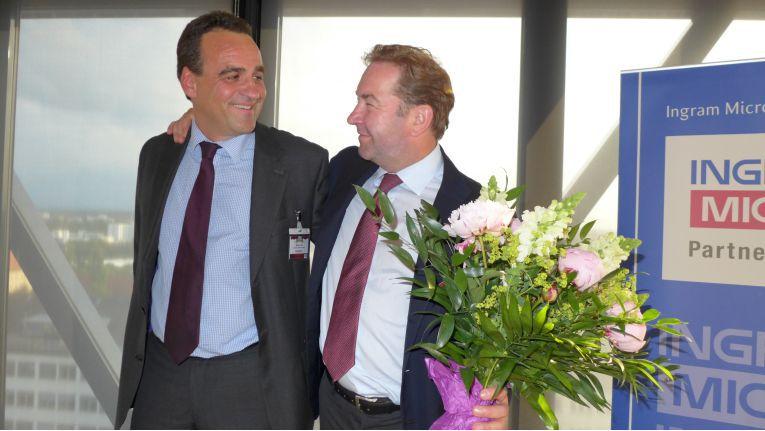 Im Sommer 2013 hat Marcus Adä (links) die Position des Vice President Central and Eastern Europe bei Ingram Micro von Gerhard schulz (rechts) übernommen.