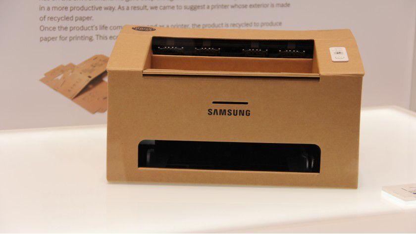 Das Gehäuse dieses Drucker-Prototyps von Samsung wird aus einem Stück Wellpappe gefaltet.