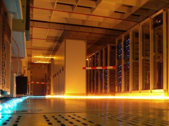 Hier könnte die Wolke drin stecken. Cloud Computing ist auf viele virtualisierte Server in Racks angewiesen.