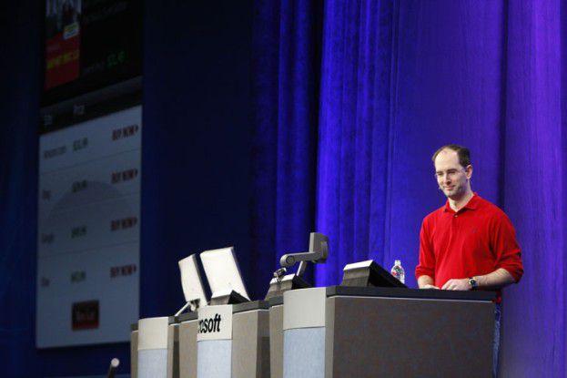 Scott Guthrie, .NET-Chef bei Microsoft, erklärt auf der PDC die Neuerungen in Silverlight 4.0.