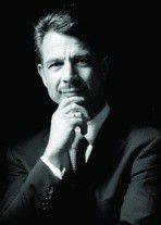 """Rechtsanwalt Dr. Wolfgang Hackenberg: """"Die private Nutzung moderner Kommunikationsmedien im Unternehmen schafft eine Unternehmenskultur der Selbstverantwortung, der Wertschätzung und des Vertrauens""""."""