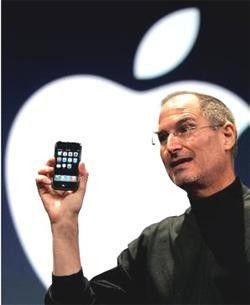 Apple-Chef Steve Jobs teilt aus: Adobe ist faul und Google will das iPhone killen