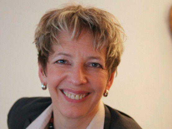 """Ursula Baumeister, Verbund Ingenieur Qualifizierung: """" Unsere Studenten können bereits während des Studiums erlernte Kenntnisse in den Berufsalltag einfließen lassen."""""""