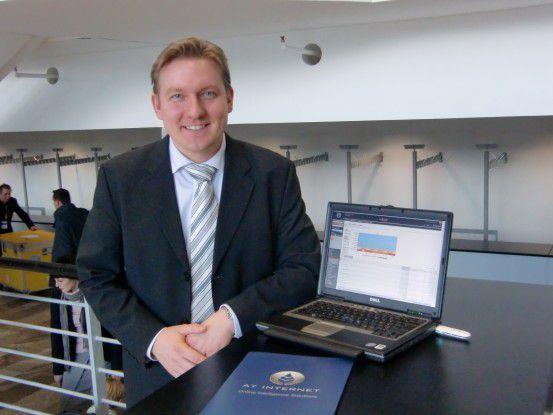 Country Manager Timo von Focht rührte auf der CeBIT die Werbetrommel für AT Internet.