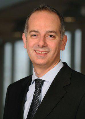Marcus Casey, Leiter Globaler Online-Vertrieb und Mobile Service, koordiniert die Twitter-Aktivitäten der Lufthansa.