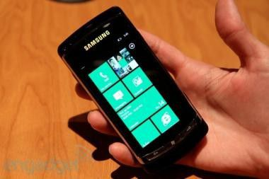 Samsung-Prototyp mit Windows Phone 7 getestet. Foto: Engadget