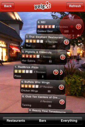 Mit der Augmented-Reality-Funktion Monocle bekommen iPhone-Nutzer in der Yelp-App interessante Plätze in der Kameraansicht angezeigt.