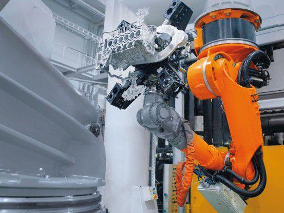 Kuka fertigt Industrieroboter (Foto: Kuka)