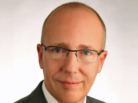 """""""Unsere CA Cloud-Connected Management Suite soll Anwendern dabei helfen, auch im unübersichtlichen Cloud-Umfeld optimale Sourcing-Entscheidungen zu treffen"""", sagt Georg Lauer, Vice President bei CA Technologies."""