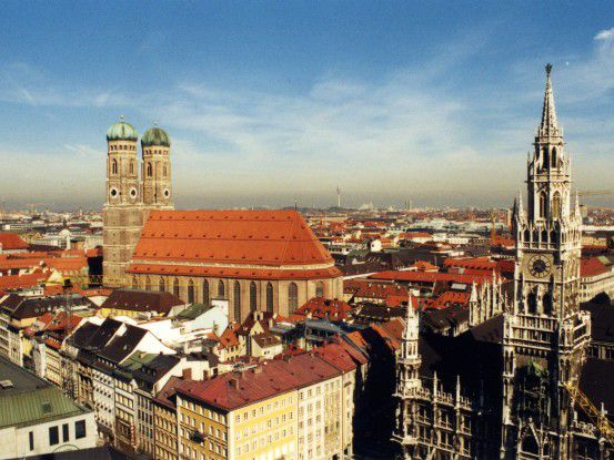 Blick über die Dächer Münchens: Nach der Logik von McKinsey finden Konzerne aus München oder Stuttgart vielleicht hier den perfekten Platz für ihr Rechenzentrum.