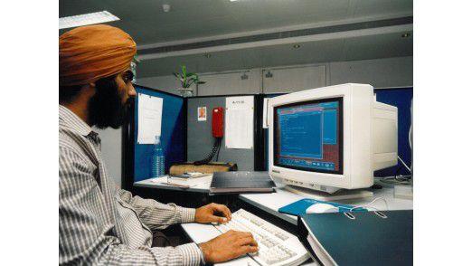 Programmierer aus Indien könnten durch die Blue Card leichter an eine Arbeitserlaubnis in Deutschland kommen, nur das Interesse ist gering.