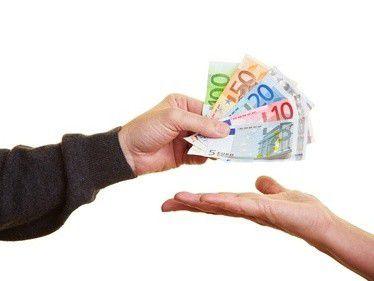 Mehr Geld fordern Freiberufler, seit sich die Wirtschaft erholt hat und sie vom Aufschwung profitieren.