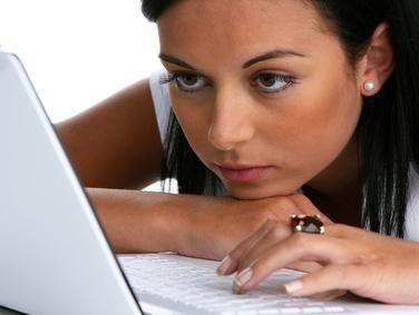 Wer im Web nicht aufpasst, wird schnell Opfer von Cyber-Mobbing-Attacken. Oft bekommen Internetnutzer dies gar nicht mit.