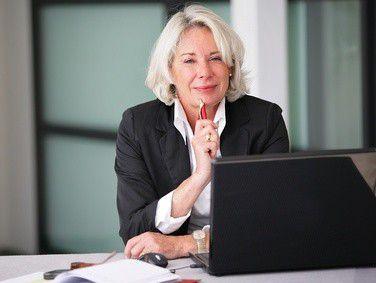 Auch Ältere sind bereit, moderne Kommunikationstechnologien im Unternehmen zu nutzen.