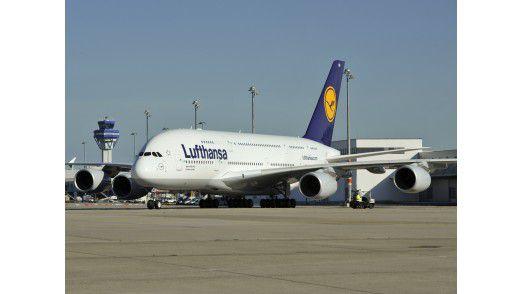 Airbus 380 am Flughafen Köln-Bonn.