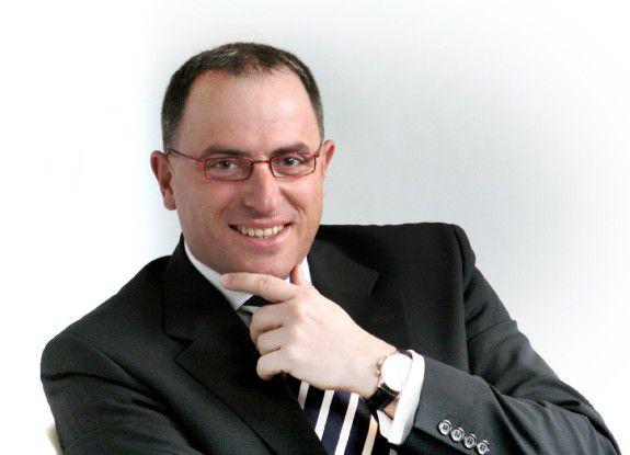 """""""Um jederzeit auf Prozesse und Informationen in Echtzeit zugreifen und reagieren können, müssen Unternehmen ihr Anwendungsportfolio kontinuierlich an den Markanforderungen ausrichten"""", sagt Jörg Limberg,Leiter HP Software in Deutschland"""