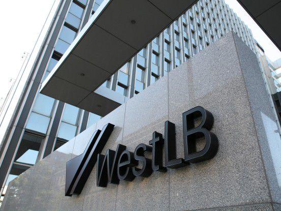 Die WestLB gibt Teile der an T-Systems ausgelagerten IT wieder an HP zurück.
