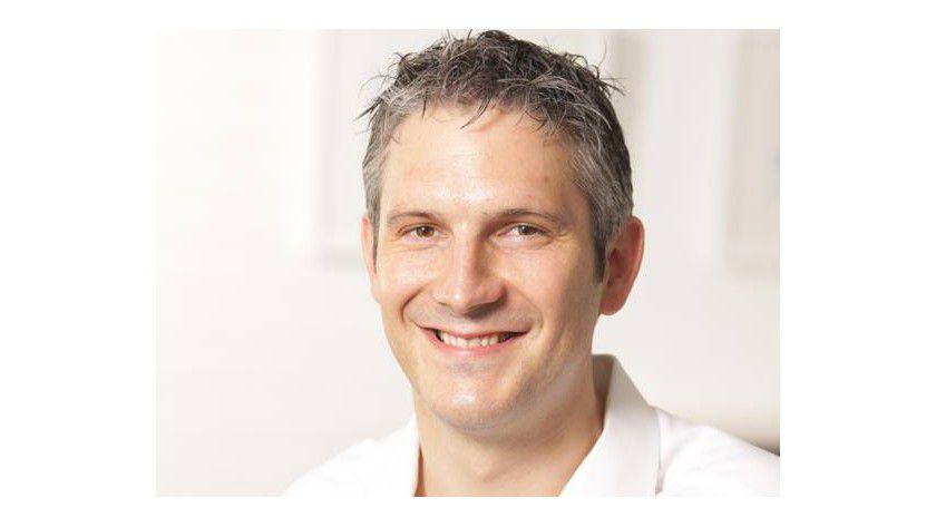 """Simon Schoop, Henscho Group: """"Wer mit Powerpoint gut präsentieren will, sollte zunächst die W-Fragen beantworten."""""""