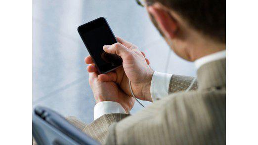 Inzwischen suchen zwei Drittel der Bewerber unterwegs mit dem Smartphone nach Jobs.