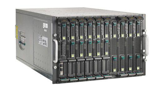 Voll bestückt: Bis zu zehn Server-Blades fasst das BX600-Chassis von Fujitsu.