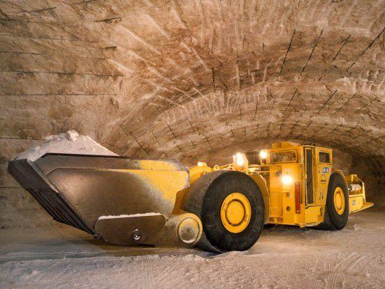 Im Grubenbetrieb werden die Rohstoffe für die Düngemittel abgebaut.