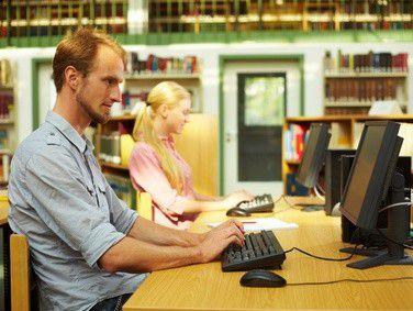 Immer mehr Teilnehmer an Weiterbildungen nutzen - neben den schriftlichen Lernmaterialien - den interaktiven Online-Campus und die Möglichkeit, mobil auf diesen zuzugreifen.