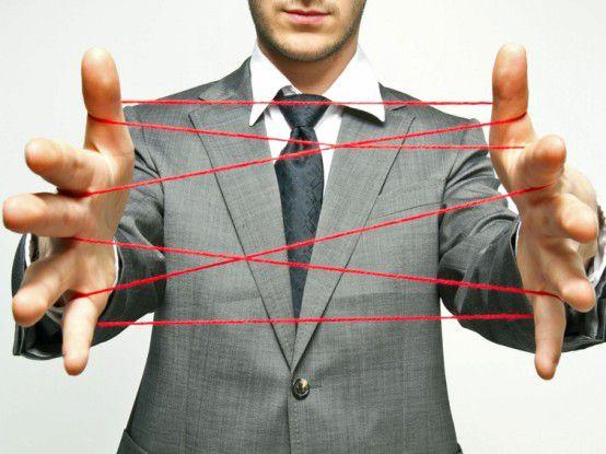 Müssen viele Fäden spinnen: Social Media Manager