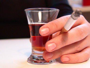 Alkohol am Steuer kann teuer zu stehen kommen. Zum Beispiel, weil die Versicherung nicht zahlt.