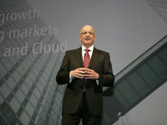 "Rolf Schwirz, CEO von Fujitsu Technology Solutions: ""Mit Volldampf in die Cloud."""
