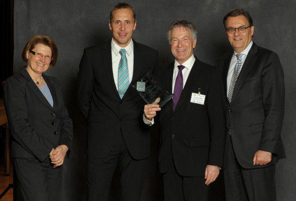 """Sparkasse Pforzheim Calw siegte in der Kategorie """"Einsatz von IT-Systemen zur Optimierung von Prozessen""""."""