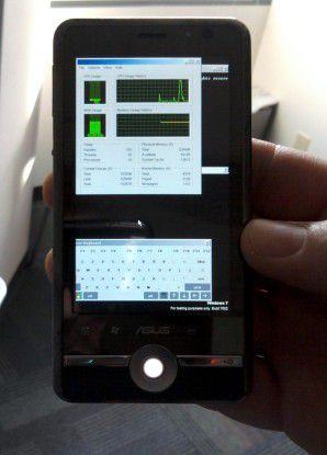 WOA auf einem Smartphone - ein Android-Tablet wollte Microsoft vermutlich nicht nutzen.