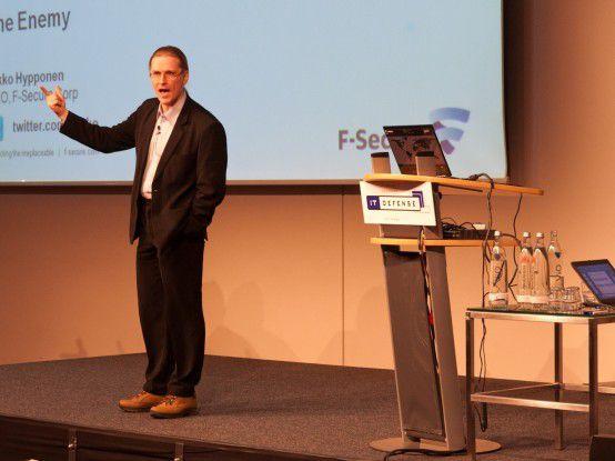 Mikko Hypponen von F-Secure warnte im Rahmen der IT-Defense 2012 vor dem Cyberkrieg.