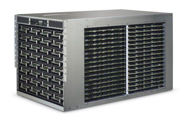 Sea Micro hat sich auf Server spezialisiert, die mit Atom-Prozessoren von Intel bestückt sind. Das Modell auf dem Bild verfügt über 512 CPUs. Sea Micro wurde mittlerweile von AMD übernommen.