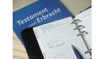 Steuerprivilegien und Steuerrisiken: Was Firmeninhaber bei Schenkungen beachten müssen - Foto: jaguardo - Fotolia.com