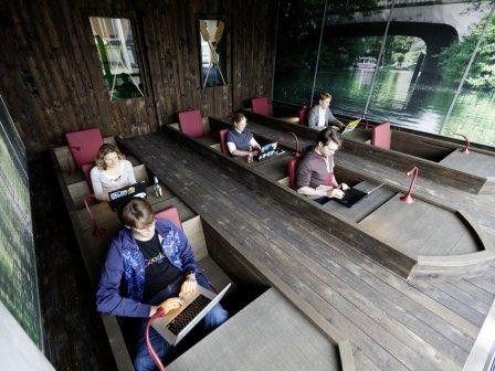 Google ist auch dieses Jahr wieder der beliebteste Arbeitgeber für IT-Absolventen. Im Bild ein 'Büro' der Hamburger Niederlassung.