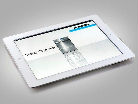 Auf dem iPad rechnet der Außendienst Sparpotenziale aus.